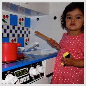Melissa And Doug Play Kitchen.